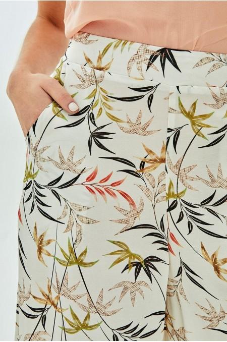 GYOKU Frill Hem Culottes in Leaf Print